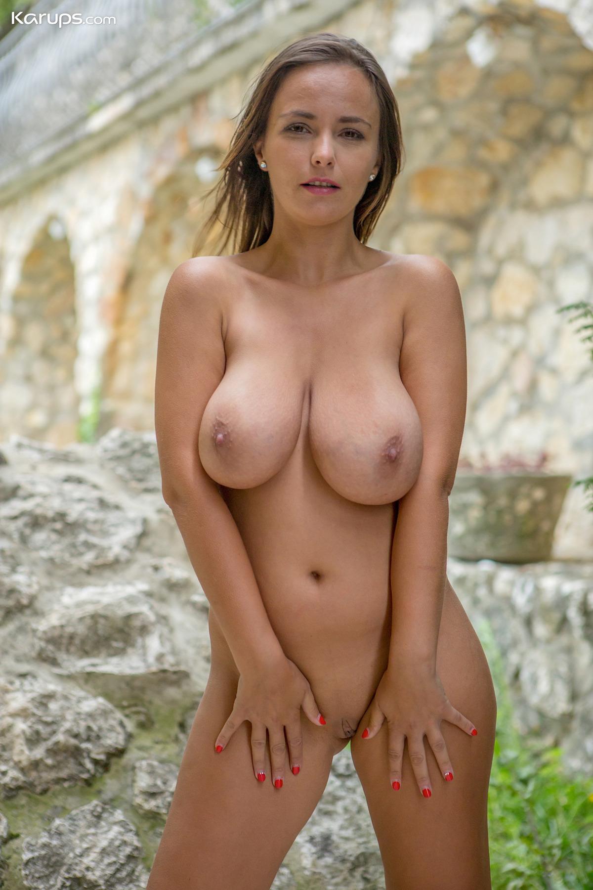 Natural tits milf Natural: 103,246
